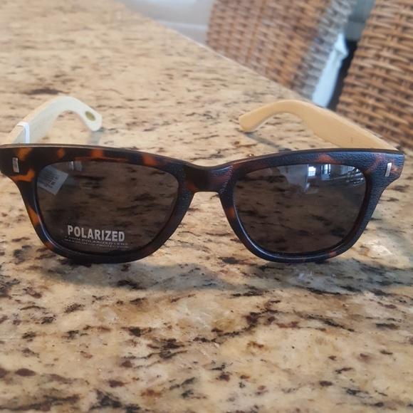 a4519c11b95a6 Wayfarer Style Glasses. Brown tortoise shell